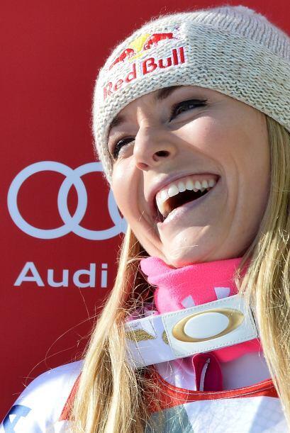 Lindsey Vonn ganó la prueba de descenso el domingo en la Copa del Mundo...