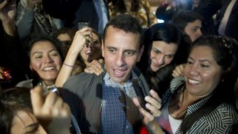 El candidato de la oposición por la presidencia de Venezuela, Herique Ca...