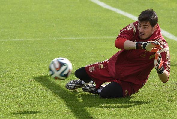 En el duelo de porteros Iker Casillas tiene una ventaja a su favor, el g...