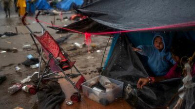 Alcalde de Tijuana arremete contra la poca ayuda de su gobierno y pregunta por qué los migrantes no son repartidos