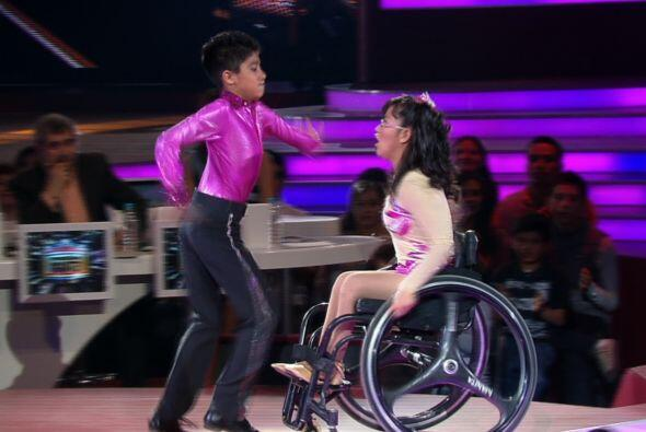 Gerardo y su pareja de baile por más de cuatro años, se movieron a ritmo...