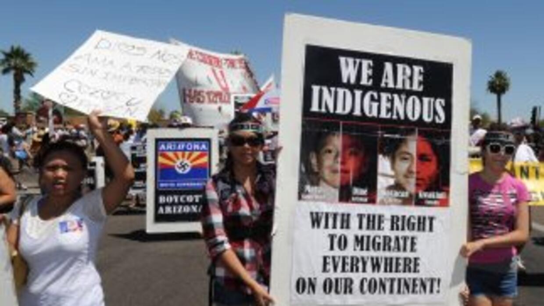 La polémica ley movilizó a la comunidad latina en Phoenix, que salió a l...