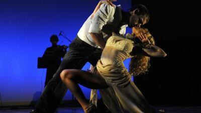 El festival abrió al ritmo de tango en homenaje a Argentina.