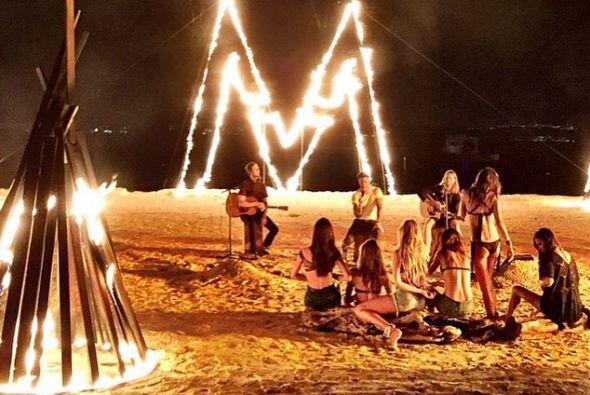 Disfrutaron de un concierto privado de Maroon 5, bajo las estrellas y a...