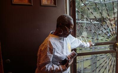 Adrienne Stokes, de 58 años, residente por mucho tiempo del vecin...