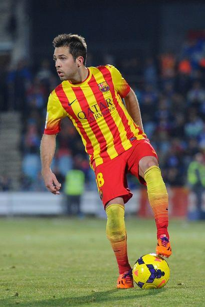 El talentoso y veloz Jordi Alba viene de poner un pase para gol en la go...