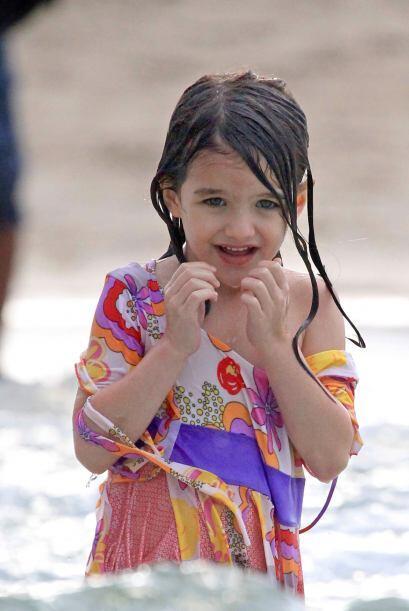 Suri muy linda en la playa.