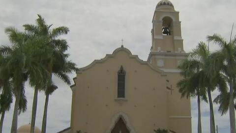 Con 49 campanazos en la Arquidiócesis de Miami se rinde homenaje a las v...