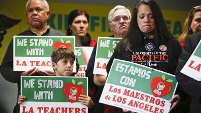 Más de 500,000 estudiantes podrían afectarse por la huelga de maestros en Los Ángeles