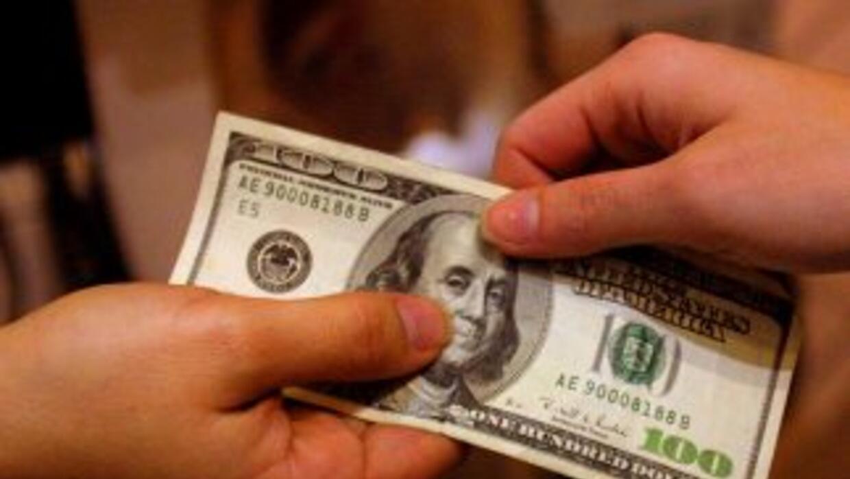 Responde, ¿prefieres ahorrar o pagar deudas?