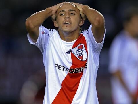 Decepción en la expresión de Diego Buonnanote, River Plate...