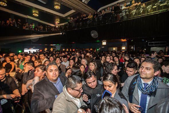 Miles de aficionados se hicieron presentes para la serie excepcional de...
