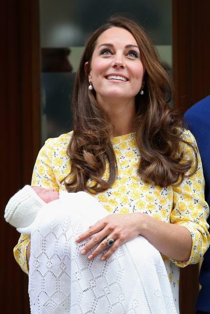 La Duquesa Catherine irradiaba un brillo especial tras dar a luz a su pe...
