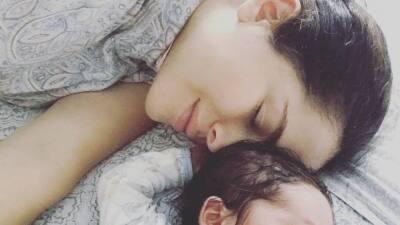 Danna García publica íntima imagen con su bebé