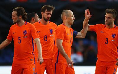Robben comandó el ataque de Holanda.