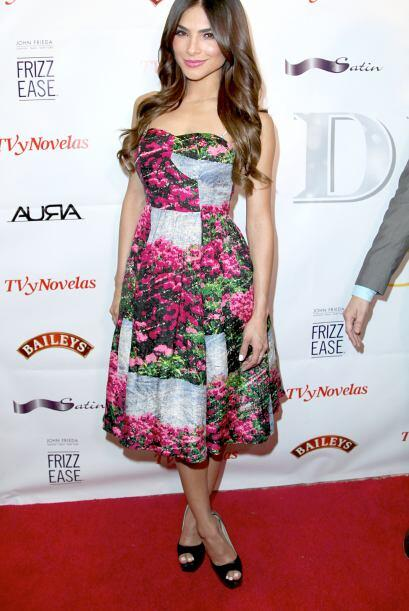 Alejandra Espinoza se decantó por las flores, un 'print0' muy 'ad hoc' p...