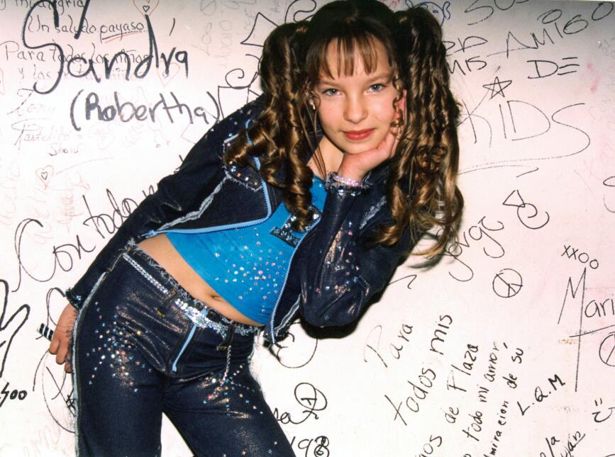 """Belinda actúa en la telenovela """"Aventuras en el Tiempo/México, 2001."""