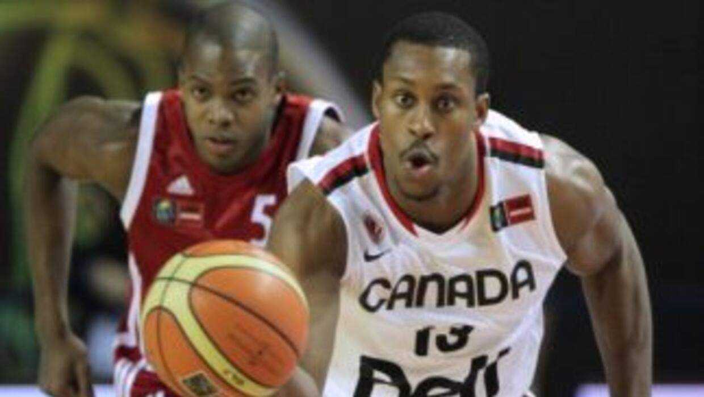 El quinteto canadiense alcanzó su segundo triunfo consecutivo (5 puntos)...