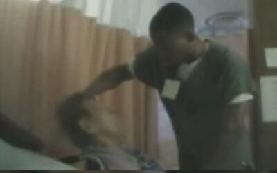 Se registró en video el maltrato contra una mujer de la tercera edad que...