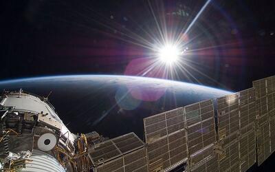 La Estación Espacial Internacional (EEI) muestra una imagen del S...