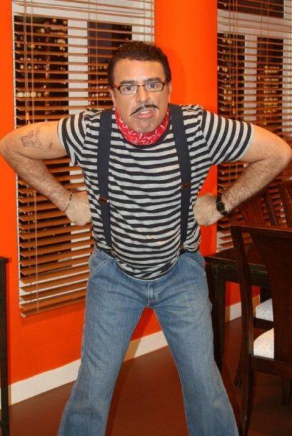 Una historia llena de intriga, pasión y mucha comedia, en donde Carlos C...