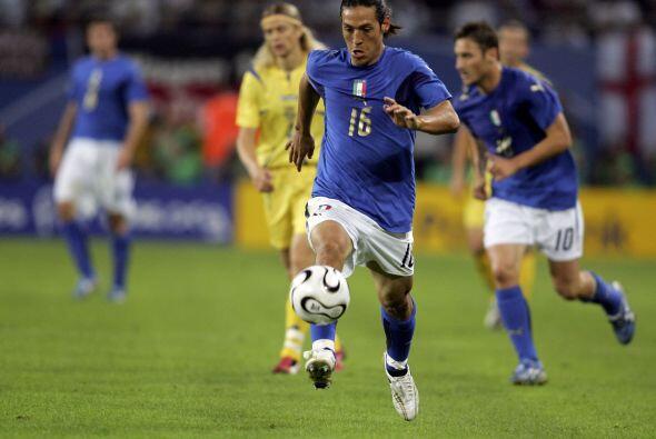 Tras la llegada de Mauro Camoranesi como nuevo técnico de Coras, te pres...