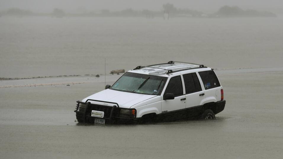 Evita comprar un auto inundado siguiendo estos consejos GettyImages-8394...