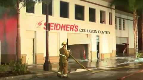 Emergencia por la explosión y posterior incendio en un taller mecánico d...