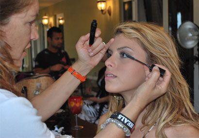 Las concursantes de Nuestra Belleza Latina recurren a los mejores cosmét...