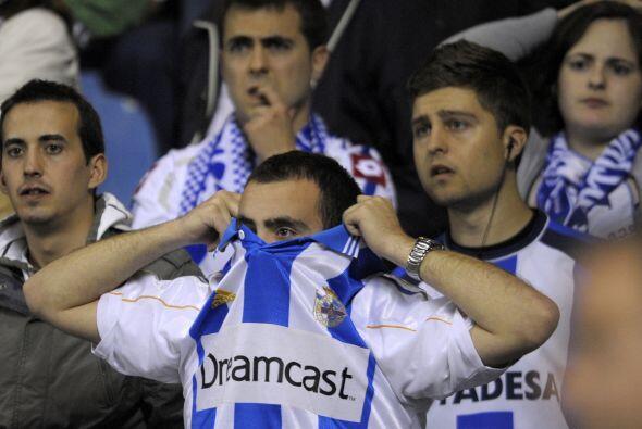 En la tribuna el llanto se volvió un factor común entre los aficionados.
