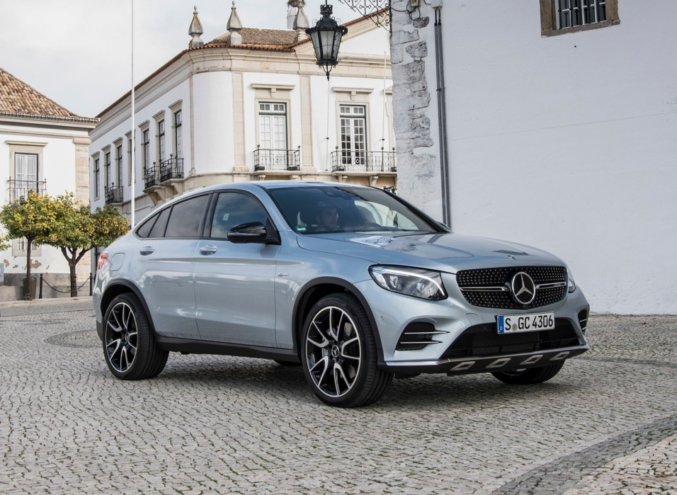 Mercedes benz presenta la nueva glc43 4matic coup 2017 for Mercedes benz in louisiana