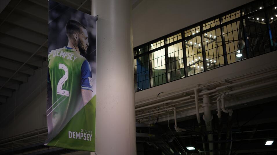 Clint Dempsey Jugador de la Copa de Oro foto3.JPG