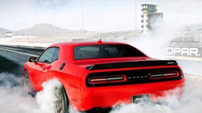 El modelo 2015 del Dodge Challenger SRT Hellcat tiene un precio inicial...