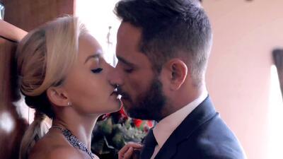 Jacobo besó a Lucía tras asegurarle que no la dejará sola frente a sus enemigos