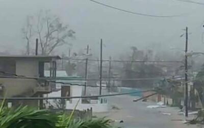 Calles del municipio Arroyo durante el paso del huracán Irma