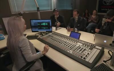 Dana Cortez Talks to Senator José Menéndez about legalizing a certain plant