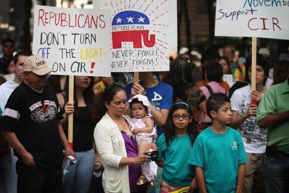 Organizaciones que defienden los derechos de los inmigrantes y la reform...