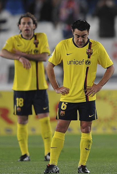 Barcelona empató a dos con el Almería y con este resultado le cedió el l...
