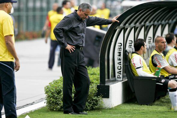 La derrota también le pegó fuerte a Tite, el entrenador del Timao, desaz...