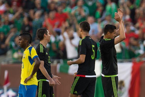 Te presentamos las mejores imágenes del duelo entre México...