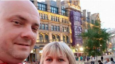 Una pareja que fue a recoger a sus hijas, una joven que iba a comprar su primera casa: las víctimas en Manchester