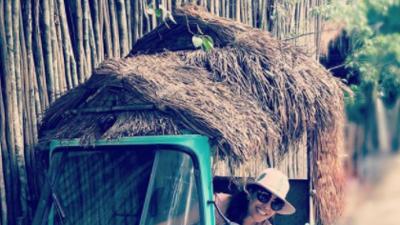 Escapadita romántica: Karla Martínez estuvo de paseo en la playa (fotos)