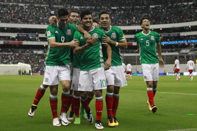 México paró de sufrir en Concacaf con estas 13 alineaciones 5canadaA.jpg
