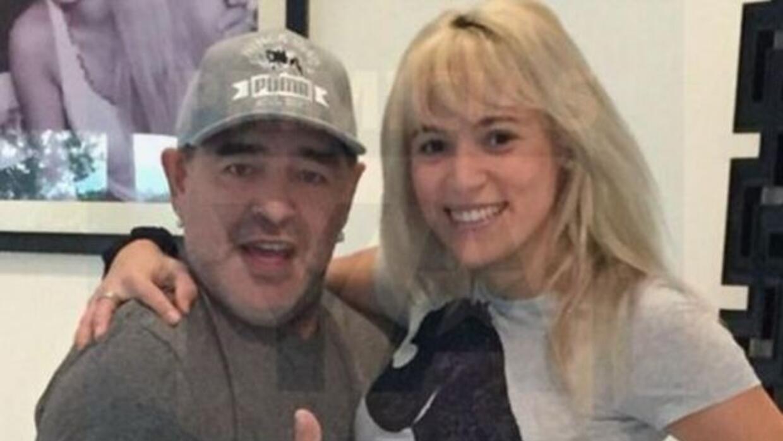 En redes sociales circula la fotografía del nuevo rostro del argentino.