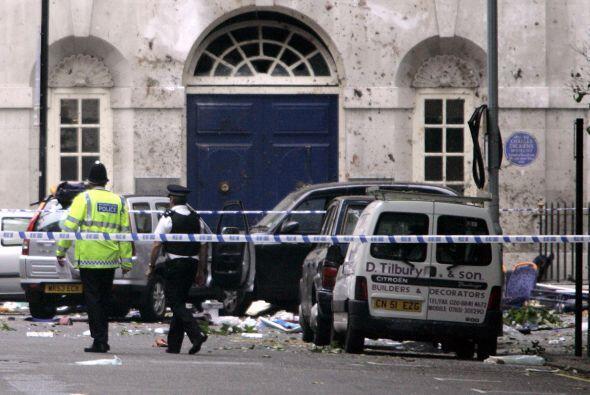 El 7 de julio de 2005, cuatro bombas detonaron en el subte londinense, c...