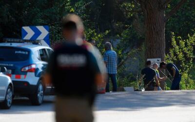 La Policía de Cataluña inspecciona el cuerpo del sospechos...