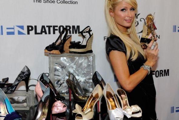 ¡Paris Hilton ama los zapatos! Mil pares de éstos en todos los colores,...