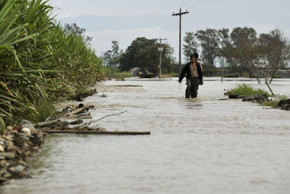 Con el más reciente deslave, los fuertes aguaceros han dejado al menos 2...