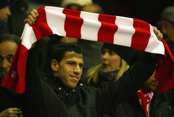 En las gradas del estadio de 'Anfield' estaba el argentino Maxi Rodrígue...