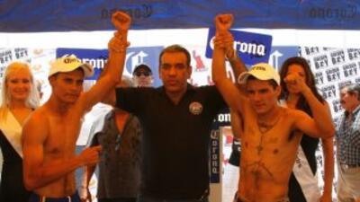 """Feider Viloria y """"El Vikingo"""" Terrazas dieron el peso (Foto: Canelo Prom..."""
